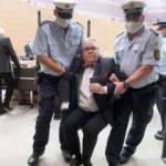 Almanya'da demokrasi gereğini yaptı: Milletvekilini meclisten böyle attılar!