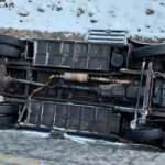 Kayseri'de Endonezyalı turistleri taşıyan midibüs devrildi: 25 yaralı