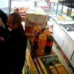 Bağcılar'da dükkanı savaş alanına çeviren kavga kamerada