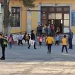 İlçede korona alarmı: 124 okulun 102'sinde yüz yüze eğitime ara verildi