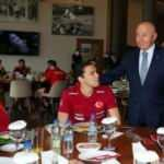 TFF Başkanı Özdemir'den Milli Takıma ziyaret!