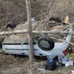 Kontrolden çıkan otomobil şarampole devrildi: 1 ölü 1 yaralı