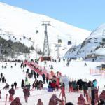 Palandöken Kayak Merkezi ilkbaharda kayakseverleri ağırlıyor