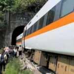 Tayvan'da tren kazası: En az 54ölü