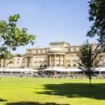 Kraliçe II. Elizabeth'ten bir ilk: Buckingham Sarayı'nın bahçesini halka açıyor