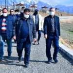 Yeşilyurt Belediye Başkanı Çınar Millet bahçesinde yapılan seyir terasını inceledi