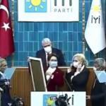 İYİ Parti'nin tiyatrosu kürsüde bozuldu! Akşener parti yöneticisini tanıyamadı