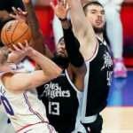 7 maçtır kazanan Clippers'ı Furkanlı 76ers durdurdu