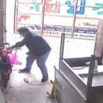 Sahibinin gözü ününde güpegündüz elektrikli bisiklet hırsızlığı kamerada
