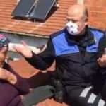 Yaşlı kadın onarım için çatıya çıktı, intihara kalkıştığı sanıldı