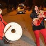 Türkiye'nin ilk kadın tulum sanatçısı, sahuru şenlendirdi