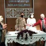 Askeri üniformasıyla nikaha geldi