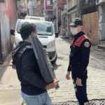 Çalıntı televizyon taşırken polise yakalandı