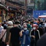 Eminönü'nde 'kapanma alışverişi' yoğunluğu!