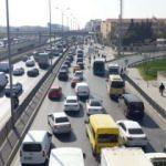 İstanbul'da tam kapanmanın ilk gününde trafik ve ulaşım yoğunluğu!
