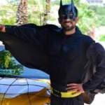 """Mersinli taksici, moral vermek için """"Batman"""" kostümüyle çalışıyor!"""
