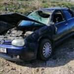 Otomobil devrildi; anne öldü, 2 kızı yaralı