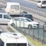 Trafikte şaşırtan görüntü! Geri geri gidip, herkesi tehlikeye attılar