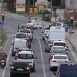 Vatandaş tatil merkezine akın etti, trafik kilitlendi