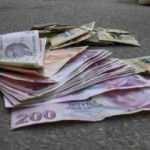 Bursa'da hemşire aracının üzerinde para dolu cip kutusu buldu