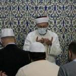 Ali Erbaş, Kadir Gecesi'nde yatsı namazı kıldırdı