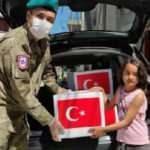 Kosova'da Türk askerinden 500 aileye bayram yardımı