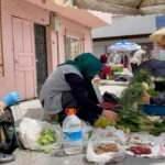 Ordu Valisi Sonel'den pazarda tezgah kuran kadın üreticilere destek