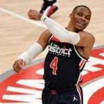 Russell Westbrook dev rekoru egale etti