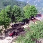 Salgında yerleştiği köyü izole tatilin adresi haline getirdi