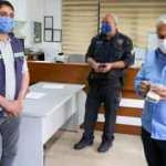 Temizlik görevlisi yolda bulduğu 10 bin lirayı sahibine teslim etti