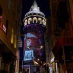Anneler Günü, Galata Kulesi'ne yansıtılan fotoğraflarla kutlandı