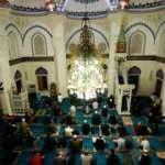 Dünyada Ramazan Bayramı kutlanıyor