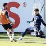 Fenerbahçe'de Altay Bayındır geri döndü!
