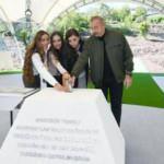 İlham Aliyev Şuşa'da yeni caminin temelini attı