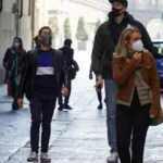 İtalya'da son 24 saatte 5 bin 77 yeni vaka