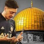 Mesut Özil: Dualarım bugünü barış içinde kutlayamayanlarla