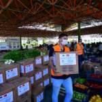 Pazarcıların elinde kalan 100 ton sebze ve meyveyi valilik satın aldı