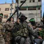 Ateşkes sonrası Hamas, Gazze'nin merkezinde gövde gösterisi yaptı