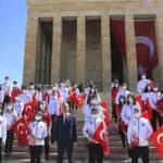 Gençlik ve Spor Bakanı Mehmet Muharrem Kasapoğlu gençlerle Anıtkabir'i ziyaret etti