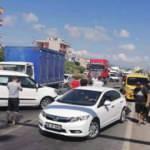 Kamyon kırmızı ışıkta bekleyen araçların arasına daldı: 2 yaralı