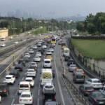 Kontrollü normalleşmenin ilk gününde İstanbul'da trafik yoğunluğu arttı