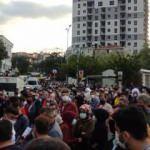 İstanbul'da metro seferi durdu, yoğunluk oluştu