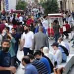 İstiklal Caddesi'nde tedirgin eden kalabalık