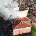 Üsküdar'da korkutan yangın: Rüzgarla büyüdü