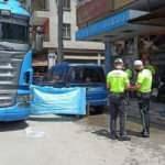 Samsun'da feci kaza! Tırın altında kaldı