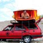 Karavan almaya gücü yetmedi, binek otomobilini karavan yaptı