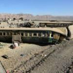 Pakistan'da iki tren çarpıştı: 51 ölü, 100 yaralı