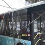 Her şey bir anda oldu! Halk otobüsünün üzerine düştü