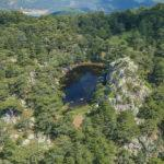Dağın zirvesindeki doğal gölet keşfedilmeyi bekliyor