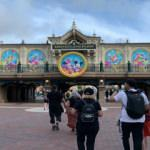 Disneyland kapılarını yeniden açtı
